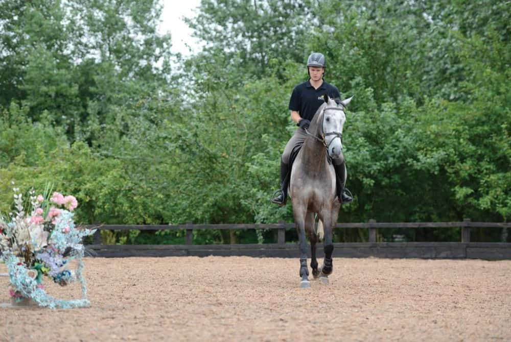 How to calm a spooky showjumper with Daniel Moseley