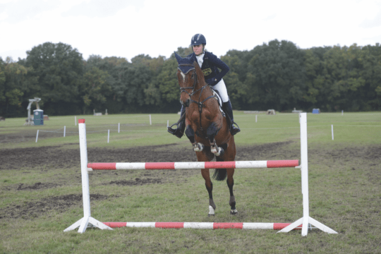 Rebecca Howard showjumping warm-up fences