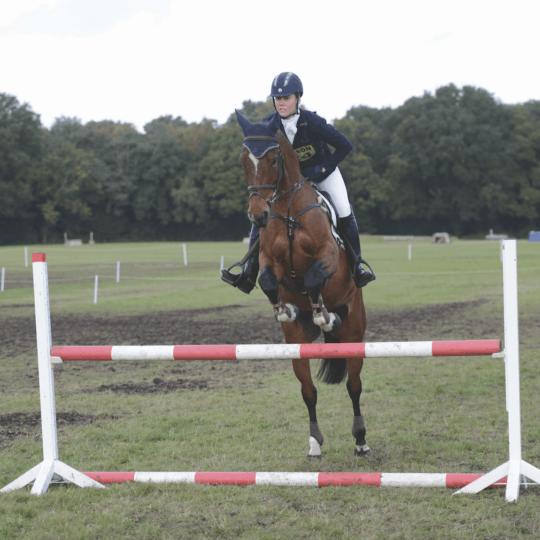 Rebecca Howard showjumping warm-up fences