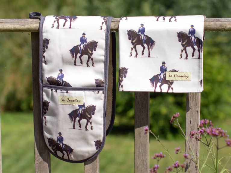 So Country Dressage oven glove and tea towel set